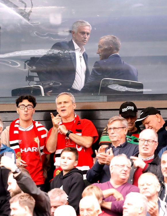 Jose Mourinho aan de slag als analist in één van de tv-boxen op Old Trafford.