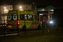 Medewerker van vleesverwerkingsbedrijf in Roosendaal raakt bekneld in transportband.