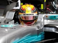 Hamilton snelste op eerste testdag in Bahrein, problemen bij Red Bull