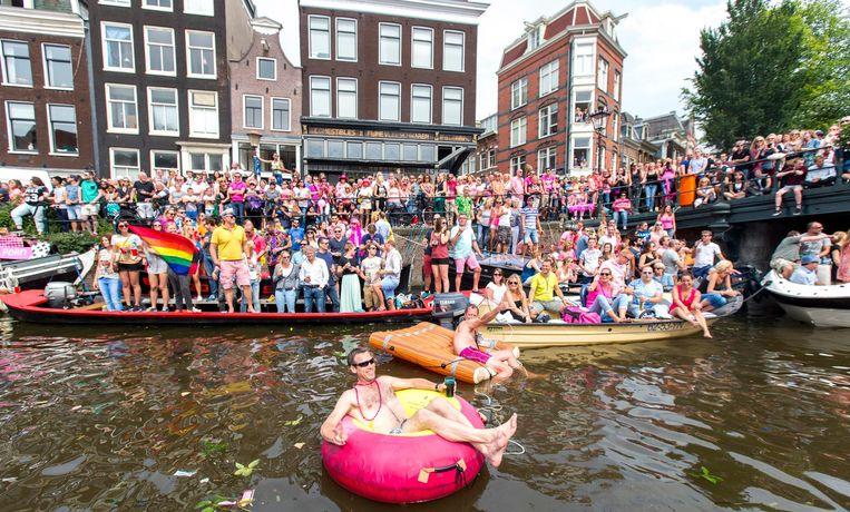 De jaarlijkse Canal Parade is onderdeel van de Amsterdam Gay Pride Beeld Jerry Lampen/ANP