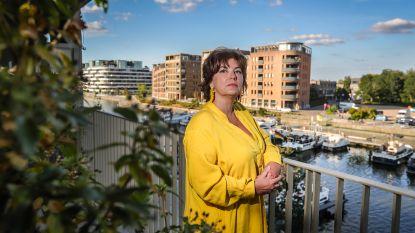 """Katrien (49) woont al een week gedwongen op hotel: """"Mijn nieuw appartement in Quartier Bleu ziet er goed uit, maar is onbewoonbaar"""""""