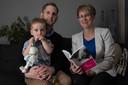 Arianne Wennekes met haar man Maurice en zoontje Julian.