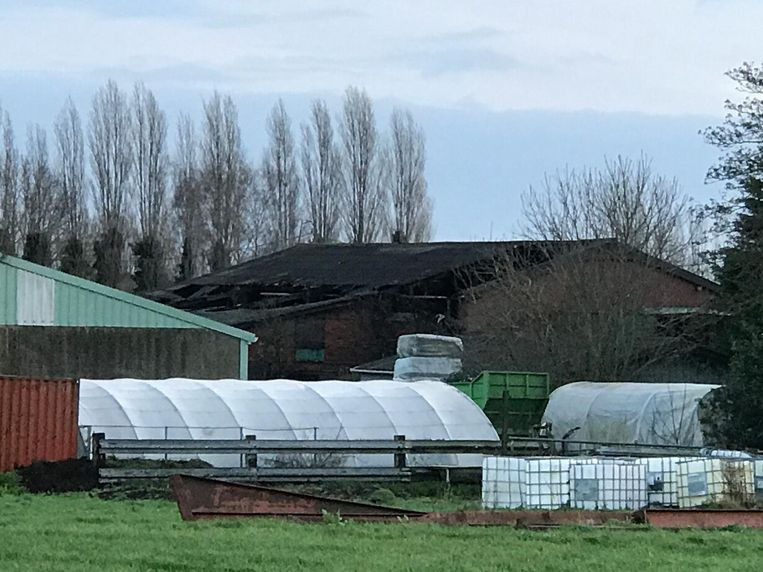 De stal brandde vorige week woensdag uit.
