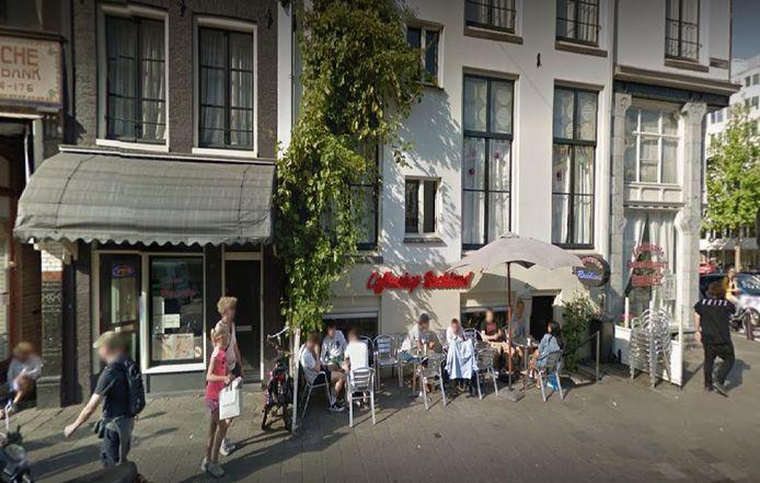 De Amsterdamse coffeeshop Rockland van waaruit maffiabaas Raffaele Imperiale jaren zijn drugslijnen bestierde.