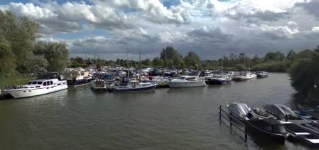 Twee gewonden bij explosie op jacht in Leerdam