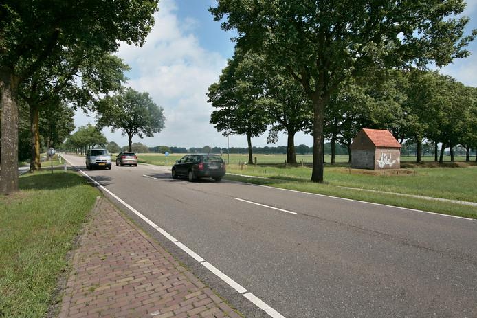 IPTCBron  Fotopersburo van de Meulenhof BV Houtse Parallelweg 72 5706 AD  Helmond tel. 0492  475472;MEULENHOF  Kruispunt Langstraat  Nachtegaalweg in Deurne wordt een rotonde;EDREGIORia Saanen;Deurne;Nederland