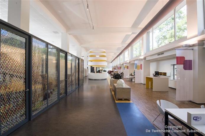 Makelaar Post vindt dat het oude postkantoor in Enschede mooi kan functioneren als markthal zoals in Rotterdam.