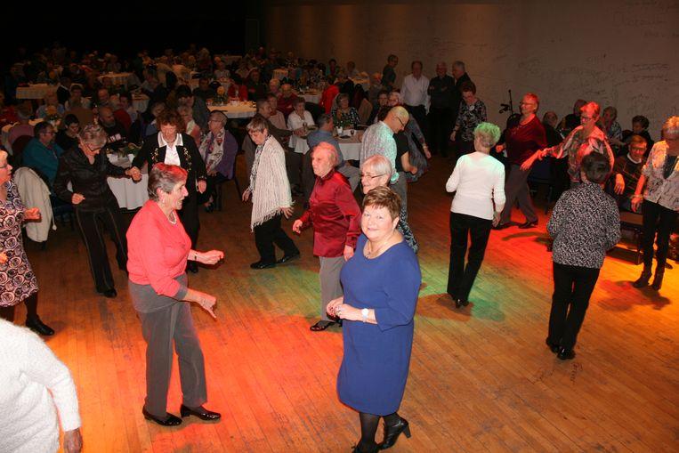 Met een dansnamiddag hebben Kapelse senioren afscheid genomen van dienstencentrum 't Bruggeske.