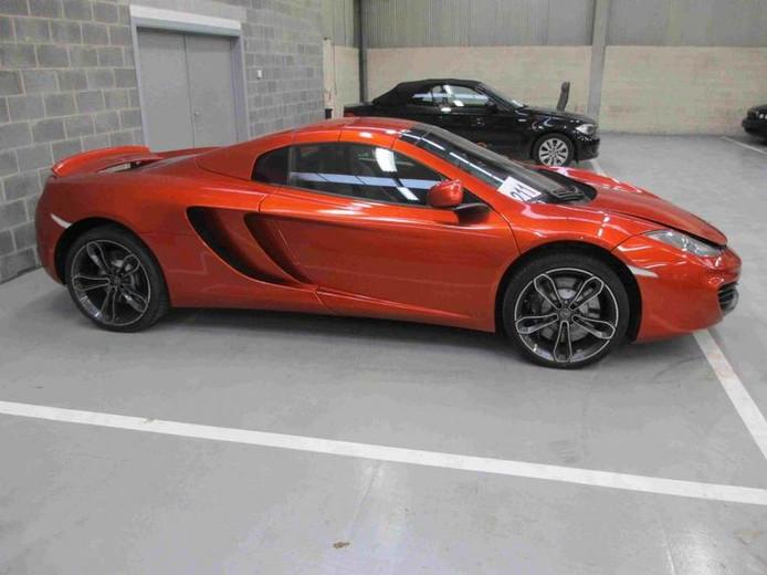Cette rutilante McLaren MP4-12C a été vendue pour 87.600 euros.