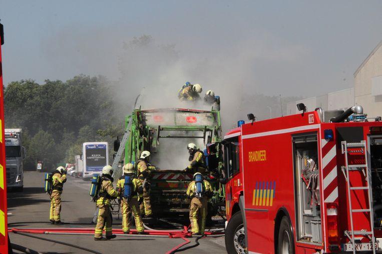De brand zorgde voor heel wat rook.