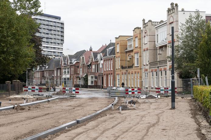 Het afsluiten van de rotonde en de Ripperdastraat leidt tot allerlei conflicten en problemen tussen bewoners.
