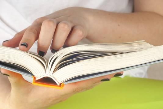 Jongens leren beter lezen met veel meiden in de klas.