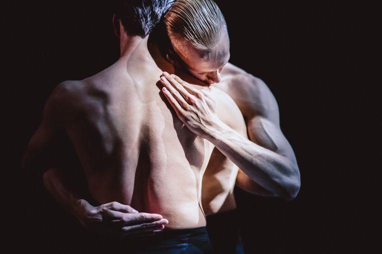 Walk the Demon (2018) van huischoreograaf Marco Goecke,  door Paul Lightfoot naar Nederlands Dans Theater gehaald. Beeld Rahi Rezvani