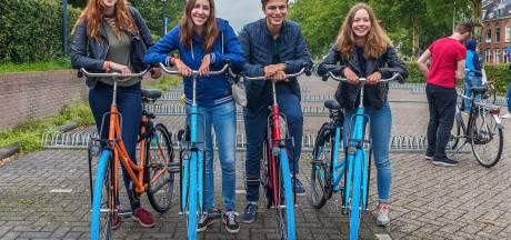 Studentenpartij biedt universiteitsbaas een huurfiets aan in plaats van auto met chauffeur