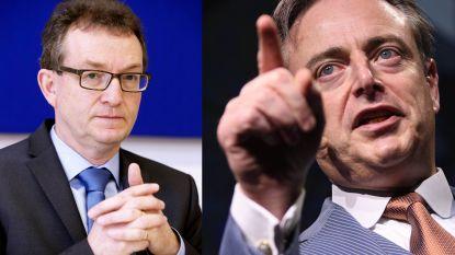 """De Wever haalt scherp uit naar """"pretpedagogie"""" van katholieke onderwijskoepel"""