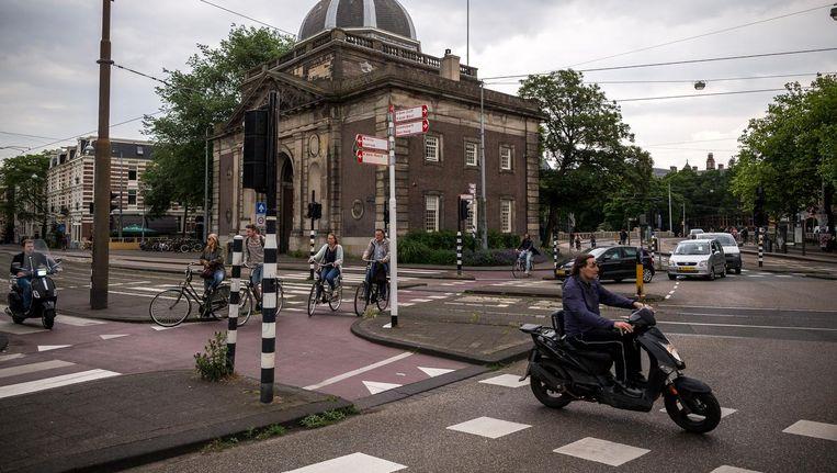 De proef met het uitzetten van stoplichten op het Alexanderplein is een succes Beeld Rink Hof