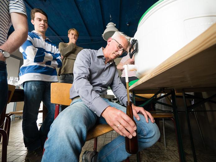 Frank Wijnands is mede-initiatiefnemer van het Brouwhuis aan de Werf bij de Alphense Rijnhaven. Hij is sinds kort ook (internationaal) biersommelier.