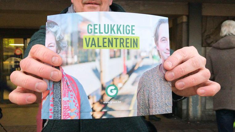Tijdens de 'Valentrein'-actie vroeg Groen meer investeringen in het Mechelse spoor.