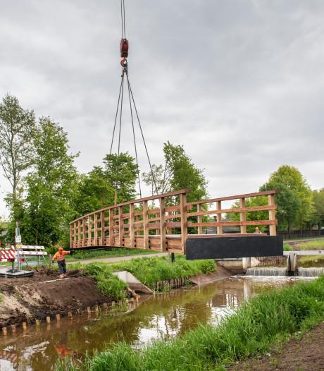 Kraanwagen niet sterk genoeg voor nieuwe fietsbrug in Mill