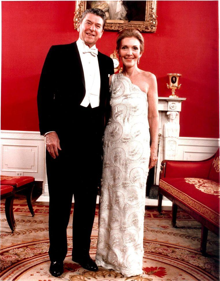 1981: Nancy Reagan in James Galanos. Beeld Hollandse Hoogte