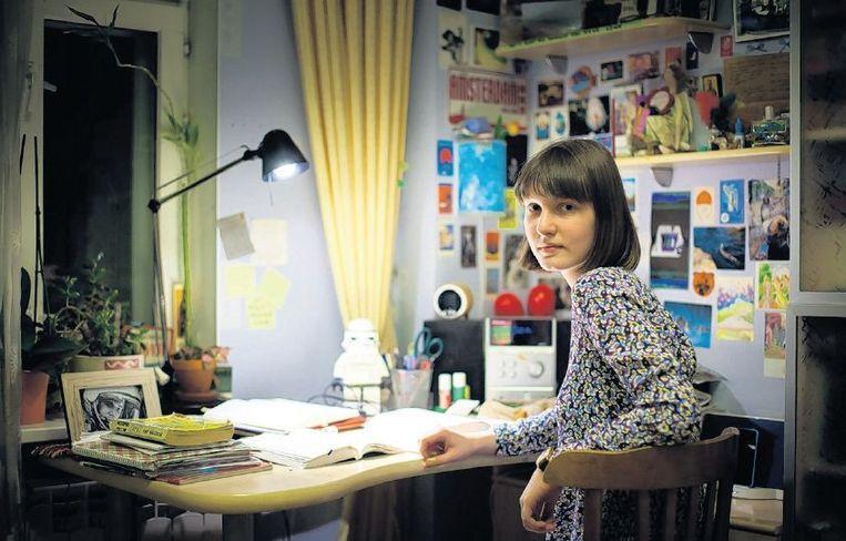 Polina in haar kamer. Beeld Aleksandr Solo