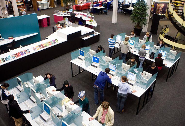 Studenten in de universiteitsbibliotheek. Beeld anp