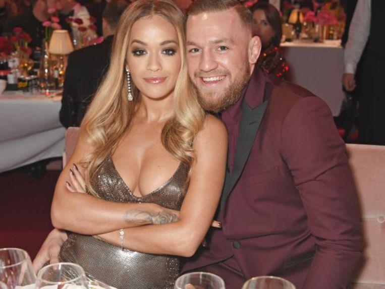 Rita Ora en Conor McGregor hadden het zondag duidelijk gezellig op de British Fashion Awards.