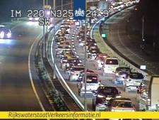 Voetbaldrukte richting Arnhem: files op N325 en A325 door wedstrijd Oranje Leeuwinnen