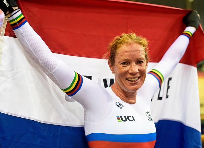 Kirsten Wild mag haar Europese titel op het omnium volgende maand verdedigen in Minsk.