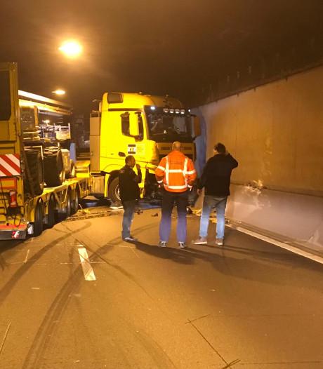 Tunnelbuis Drechttunnel weer vrij na ongeluk met vrachtwagen