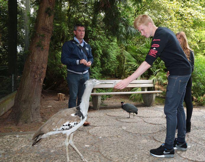 Kevin De Bruyne heeft zijn eigen kledinglijn en is sponsor van een vogelpark.