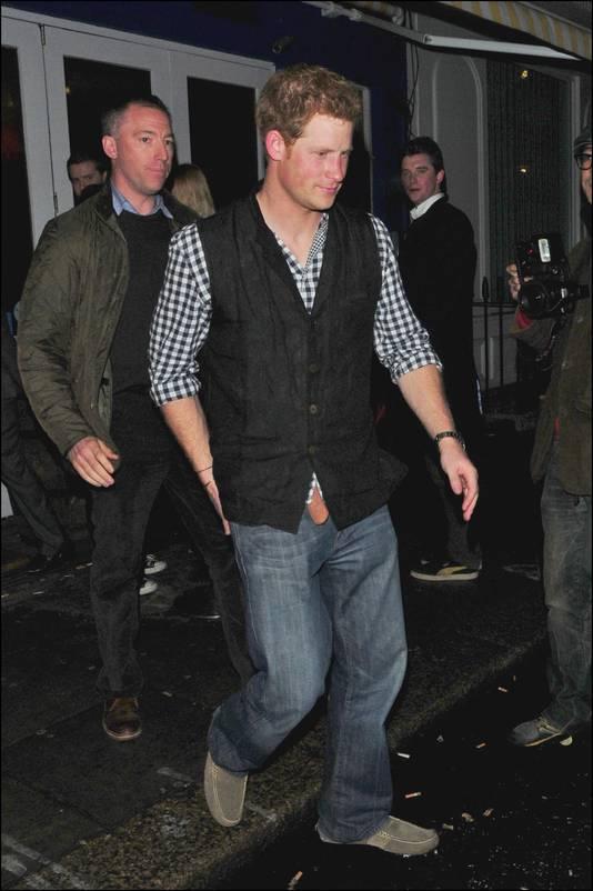 Le prince Harry en soirée avec des amis à Notting Hill en mars 2013.