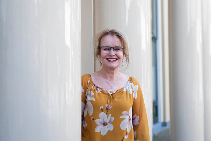 Marijke Kool is de eerste vrouwelijke voorzitter van Sociëteit De Hereeniging in Deventer.