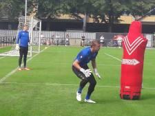 Nieuw-Zeelandse keeper Woud tekent voor twee seizoenen bij Willem II