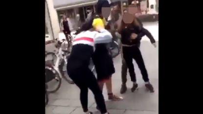 Politie Kortrijk onderzoekt video van vechtende meisjes