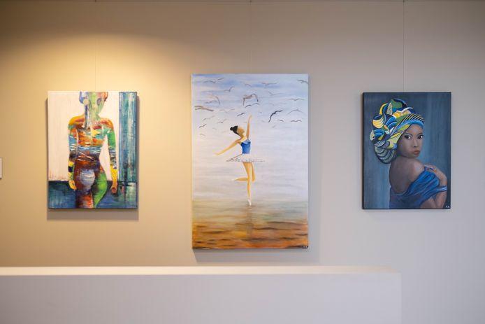 Tony Hermans stelt haar schilderijen tentoon in Seniorplaza in Willebroek