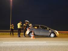 Automobilist ramt vangrail op A12 en gaat er vandoor