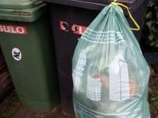 Proef in Heteren: haakjes voor afvalzakken