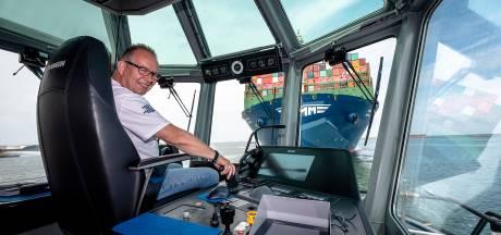 Kapitein Kees (57) helpt grootste containerschip ter wereld veilig de Rotterdamse haven in: 'Dit is kicken'