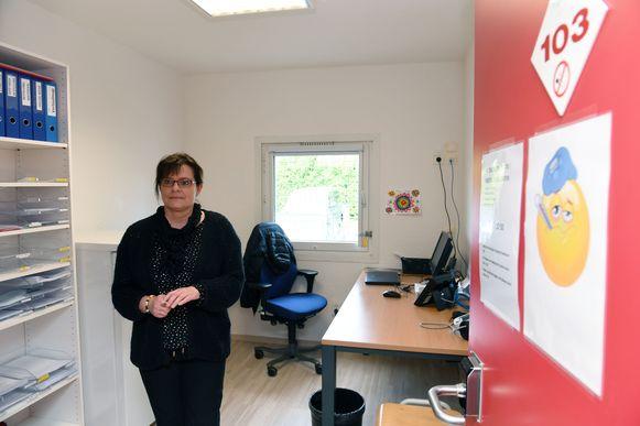 Het voomalig open terugkeercentrum in Holsbeek werd - een verpleegster in het medisch centrum - officieel ingehuldigd en zal vanaf nu dienst doen als gesloten centrum voor vrouwen.