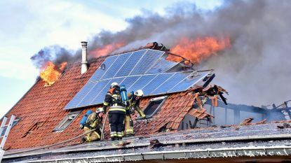 """Gezin verliest twee woningen bij brand: """"Plots die knal... En dan ging het razendsnel"""""""