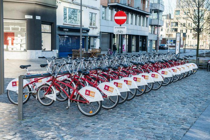 Velo gaat vier stations verhuizen en twee worden heringericht om zo de beschikbaarheid van de fietsen te optimaliseren.