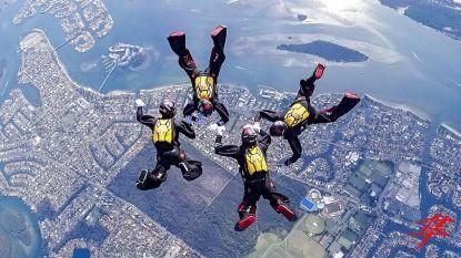 Parachutistenkoppel verloofd op WK skydive