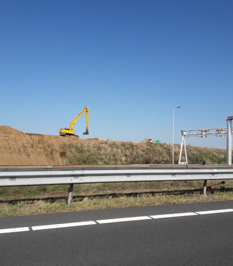 Geluidwal langs 'Duitse bocht' A73 terug op hoogte