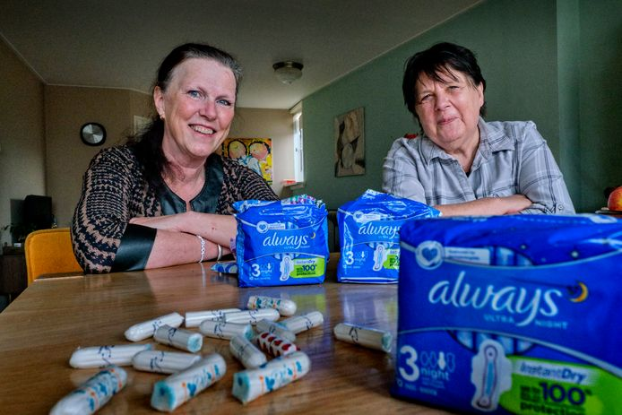 Kitty Kruger (links) en Inge Stevens (rechts) komen in actie tegen menstruatie-armoede.