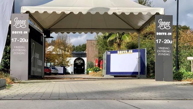 Jones Foodbar lanceert unieke drive-in: klanten kijken tijdens wachten op bestelling naar filmfragmenten