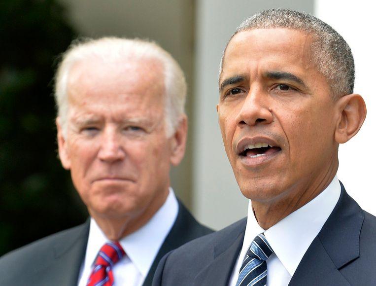 Biden achter voormalig president Obama.