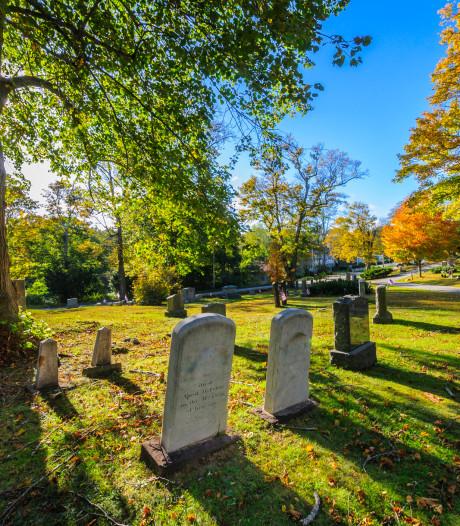 Honderden graven in Stavenisse hebben straks geen grafsteen meer
