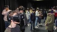 Zo gevaarlijk is spoorlopen: Molse scholieren ontdekken het met VR-bril