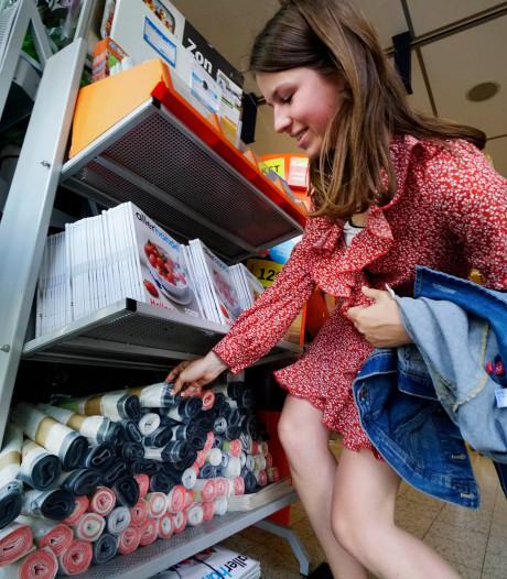 Run op afvalzakken voor plastic in Nijmeegse supermarkten: 'Nu kan het nog gratis'